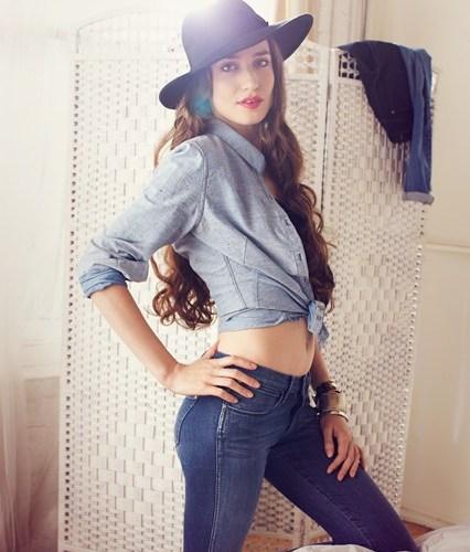 Moisturizing jeans