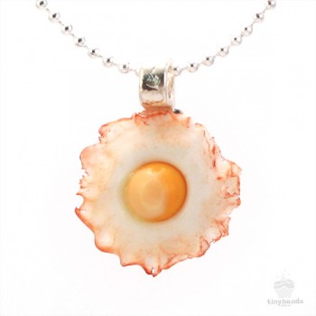 bacon-scented-fried-egg-necklace