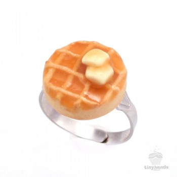 scented-butter-maple-syrup-waffle-ring